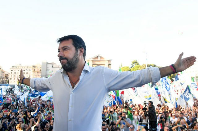 Salvini seeks to unite Italian right with Rome rally