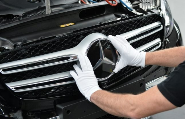 German luxury carmaker Daimler set to slash jobs to save €1 billion