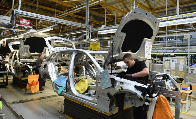 Car sector weakness saps industrial jobs in Germany