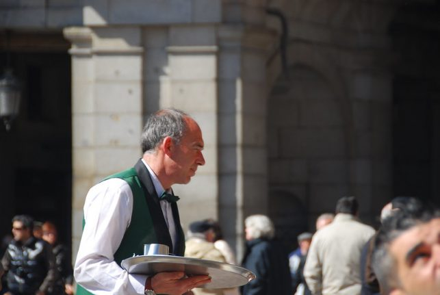 Spain's new government raises the minimum wage