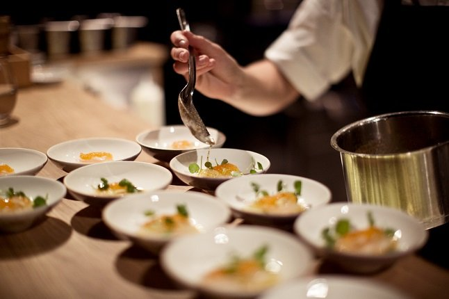 How much can you expect to earn in the Swedish food industry?