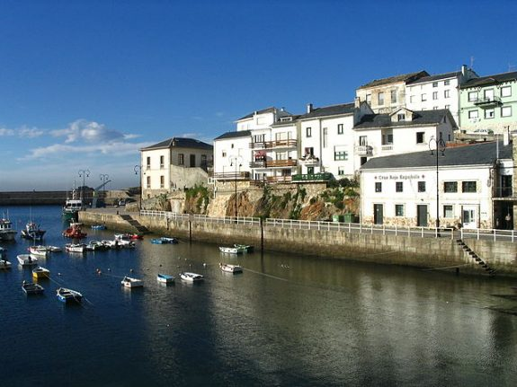 Where to rent a cheap apartment on the coast in Spain this summer