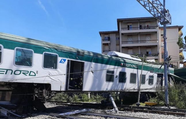 VIDEO: Three injured as driverless train derails in northern Italy