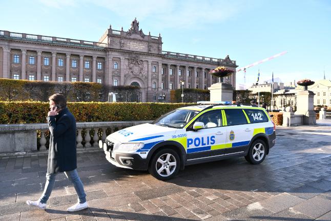 Swedish police step up anti-terrorism work – but deny social media rumours