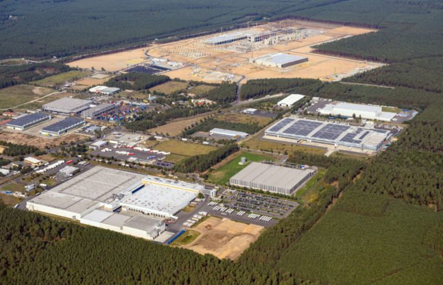 Tesla to build 'world's largest' battery plant near Berlin