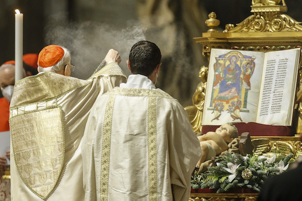 Bout of sciatica forces pope to skip New Year's masses: Vatican
