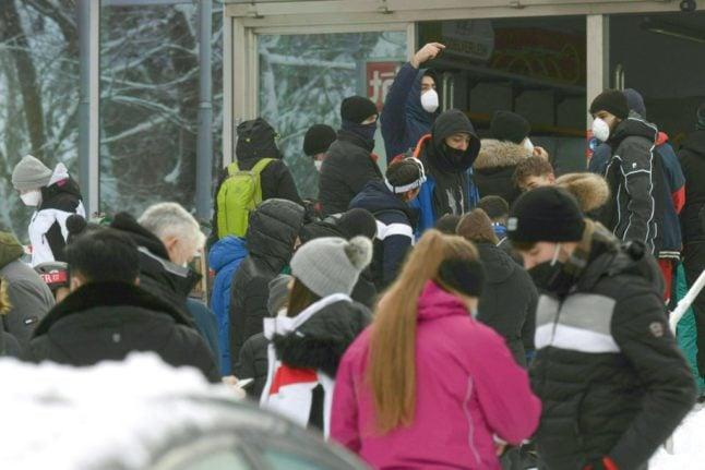 Large crowds on Swiss ski slopes spark concern over coronavirus spread