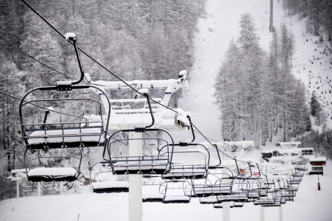 French ski resorts to learn whether they can reopen
