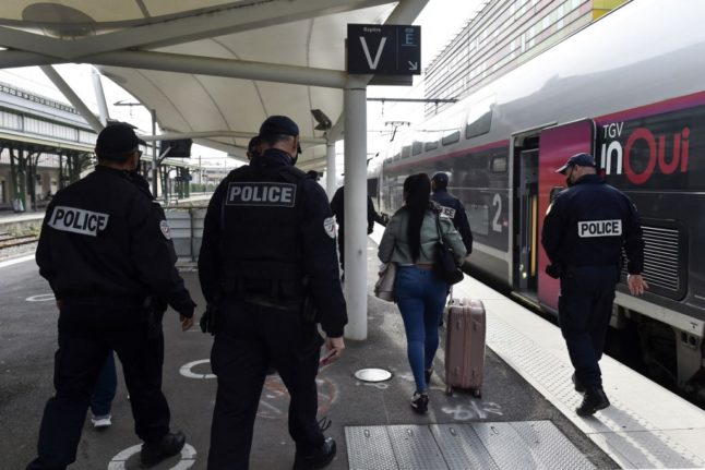 'Race against the clock': French police to step up lockdown checks at transport hubs