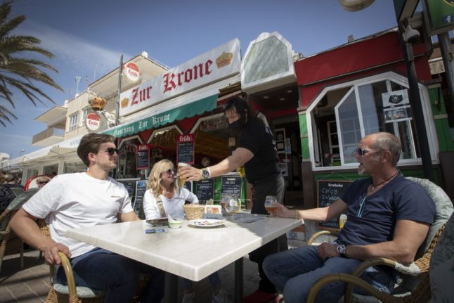 Lockdown-weary Germans find 'freedom' on Spanish island of Majorca