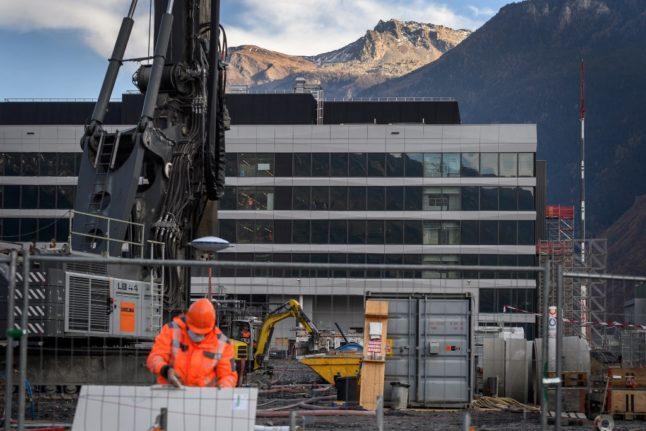 'Unprecedented crisis': New figures show stark impact of pandemic on all Swiss job sectors