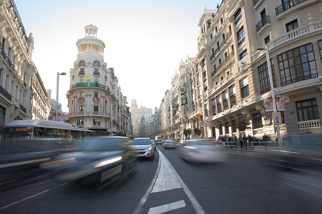 Driving in Spain: Who can exchange their licence and who has to resit the exam?