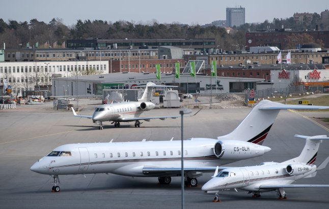 Swedish government launches bid to close Stockholm airport