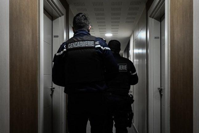 French police make 2,500 quarantine travel checks and 141 fines