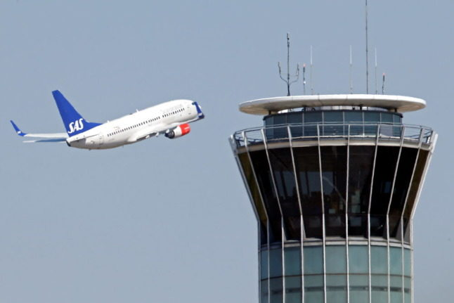 SAS announces reduced loss and pins hopes on summer flights