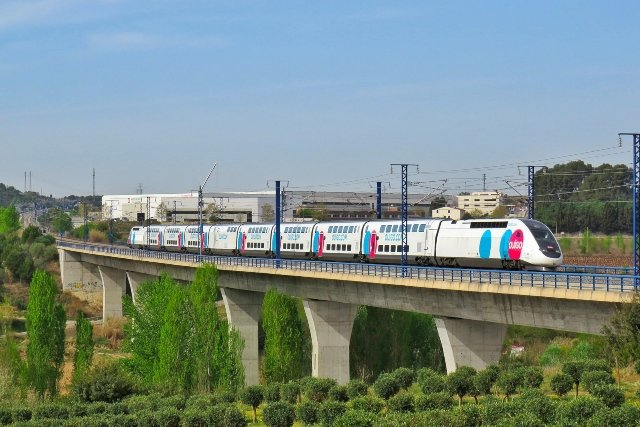 IN IMAGES: The new high-speed Madrid to Barcelona train that costs just €9