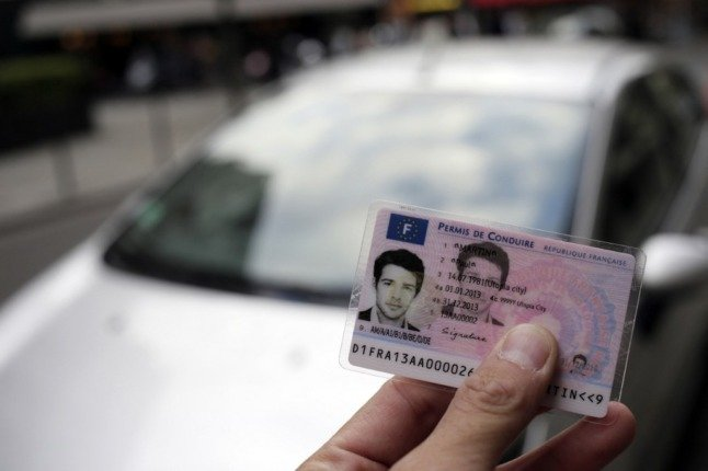 EXPLAINED: What Brits in France need to do with their UK driving licences