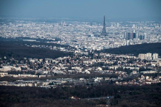 Paris passes alert level as Covid cases rise