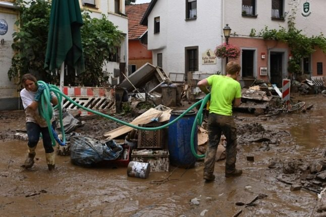 German floods: More than 140 dead as search continues