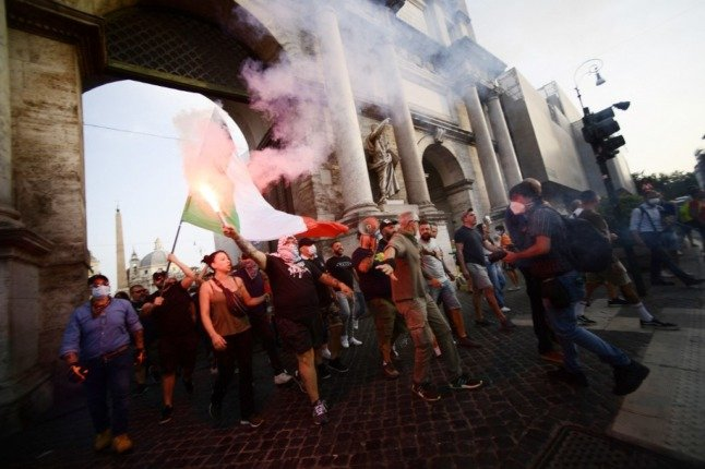 Analysis: What's behind Italy's anti-vax protests and neo-fascist violence?