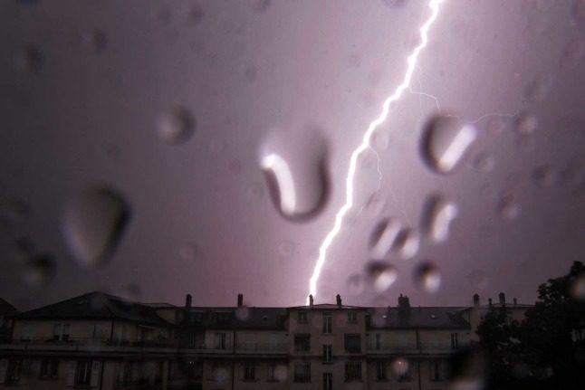 Weather update: Lake Zurich bursts banks, Lucerne preparing for flooding