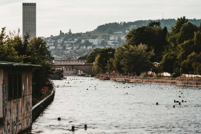 Travel: How to save money while visiting Switzerland