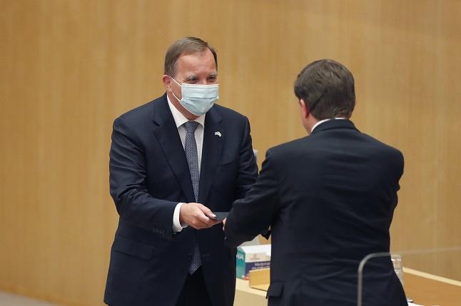 Sweden's Stefan Löfven voted back in as Prime Minister