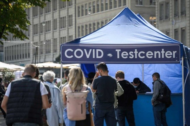 EXPLAINED: Who will continue to get free Covid tests in Switzerland after October 10th?