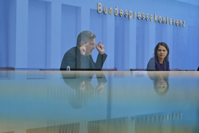 AS IT HAPPENED: German politicians ready teams for post-election talks