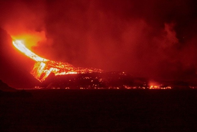 Lava from La Palma's volcanic eruption already covers more than 100,000 sqm of sea