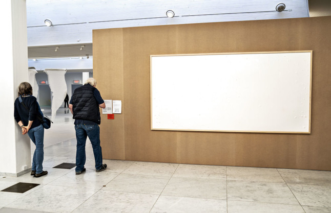 Danish artist loaned banknotes for piece delivers blank canvas, keeps cash