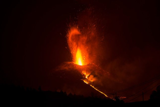 La Palma volcano eruptions continue as number of destroyed houses rises to 946