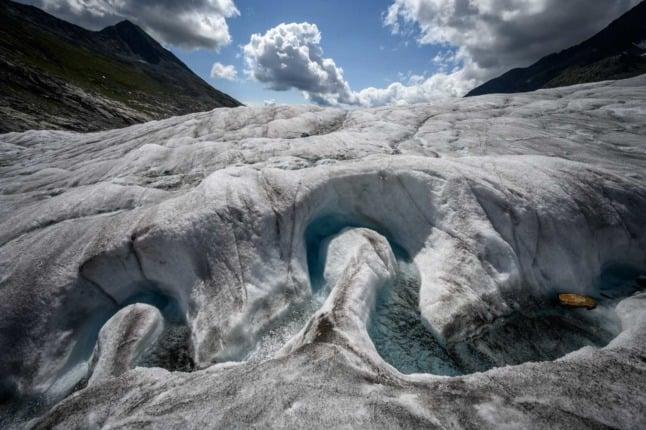 Swiss glaciers continue to shrink despite heavy snow in 2021