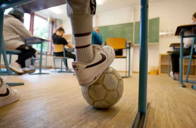 Hamburg says Covid masks must continue in schools after 'superspreader' investigation