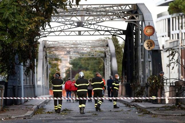 Major fire damages historic bridge in Rome