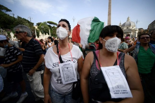 Just over half of Italians support green pass requirement for workers, says study